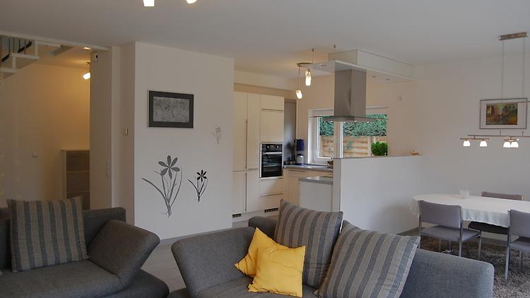 3 zimmer wohnung in potsdam ot neu fahrland m bliert nr 3414 m blierte. Black Bedroom Furniture Sets. Home Design Ideas