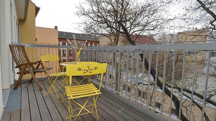 2 zimmer wohnung in berlin wilmersdorf m bliert nr. Black Bedroom Furniture Sets. Home Design Ideas