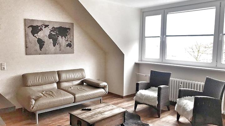 3 room attic apartment in Düsseldorf, furnished, temporary
