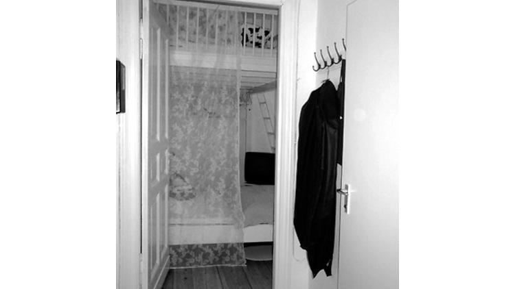 1 zimmer wohnung in berlin sch neberg m bliert nr. Black Bedroom Furniture Sets. Home Design Ideas