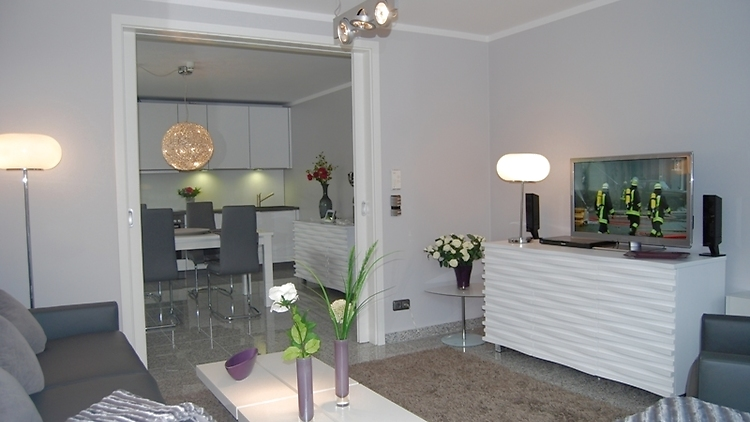 2 zimmer wohnung in solingen m bliert nr 1901 m blierte wohnungen auf zeit. Black Bedroom Furniture Sets. Home Design Ideas